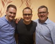 Auf dem Bild (v.l.n.r.): Maximilian Stoschek (Geschäftsführer), Wenzel Krampe (Musiker des Jahres), Andreas Baukholt (1. Vorsitzender)